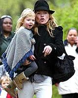 Kate Moss und Lila