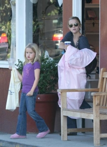 Reese Witherspoon mit Ava